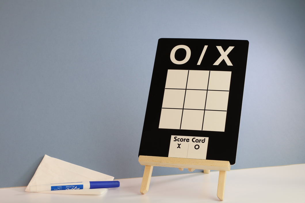 Naughts & Crosses Dry Wipe Board NSC01