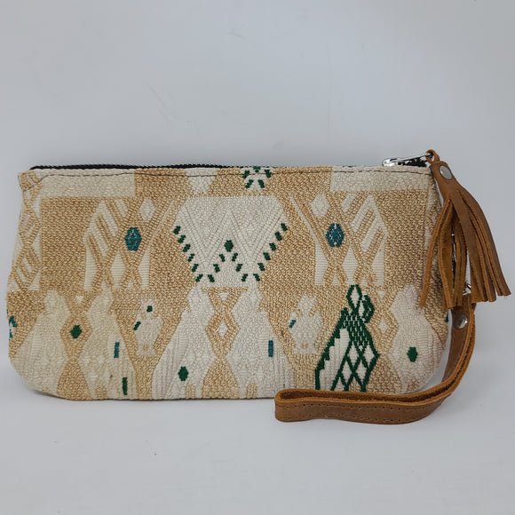 WRISTLET CLUTCH WITH LEATHER BACK CREAM