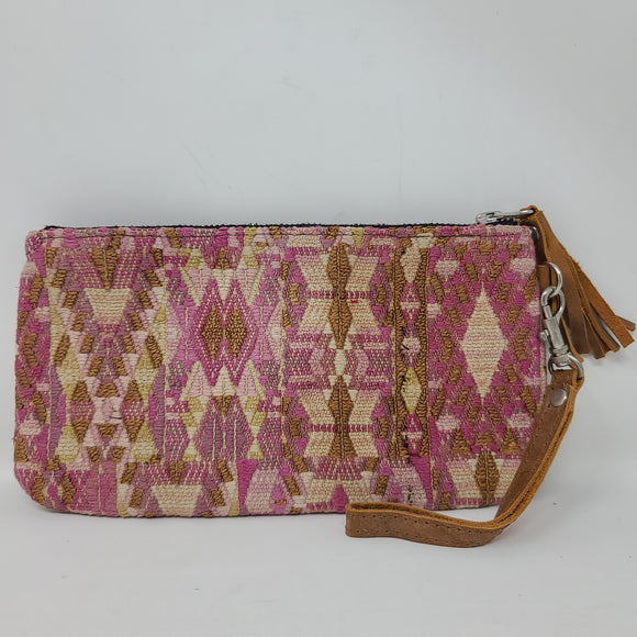 WRISTLET CLUTCH WITH LEATHER BACK PINK GEO