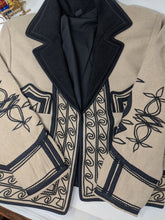 Load image into Gallery viewer, TRADITIONAL SOLOLA WOOL JACKET sz S