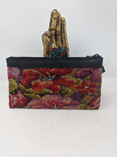 Load image into Gallery viewer, WRISTLET CLUTCH BLACK LEATHER HIBISCUS FLOAL
