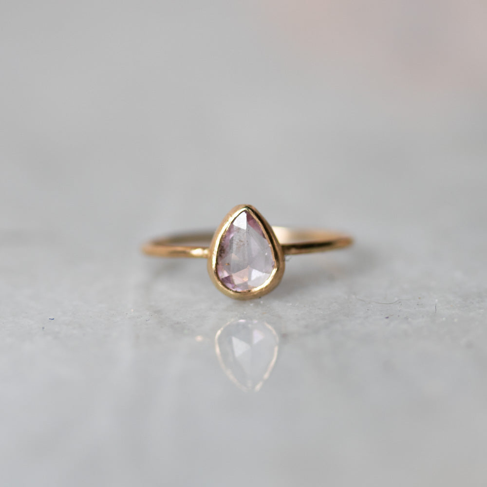 Unicus with Pear Rose cCut Pink Sapphire Gold Ring