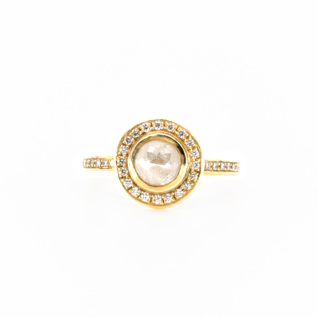 Corona With Cream Diamond Ring