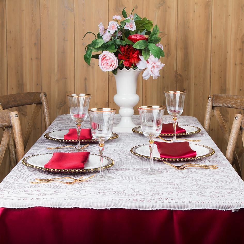 A Lace Tablecloth Look for Fall