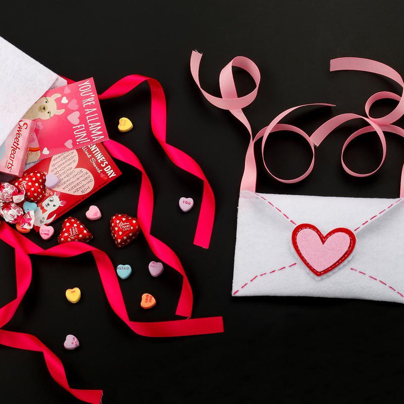 Holiday How-To: DIY Felt Valentine Envelopes