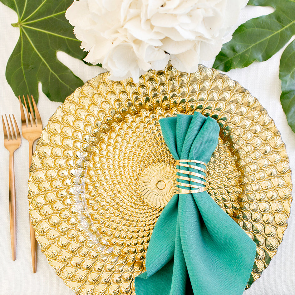 The Secret to Using Emerald as a Wedding Color