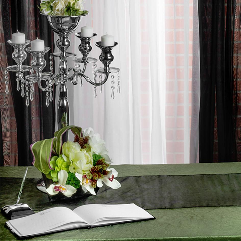 Willow, Black, and White Guestbook Table