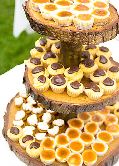 10 Creative Ways to Style Wood Slabs in Your Wedding Decor Dessert Tiers