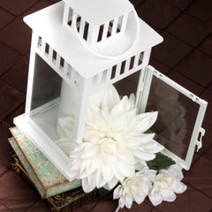 4 Step Guide to DIY Wedding Centerpieces lantern
