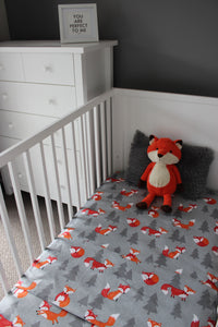 FOX COT SPILL PILLOW & FITTED SHEET / FLANNELETTE