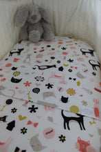 Load image into Gallery viewer, MEOW BASSINET SPILL PILLOW & FITTED SHEET / COTTON