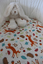 Load image into Gallery viewer, WOODLANDS BASSINET FITTED SHEET / COTTON