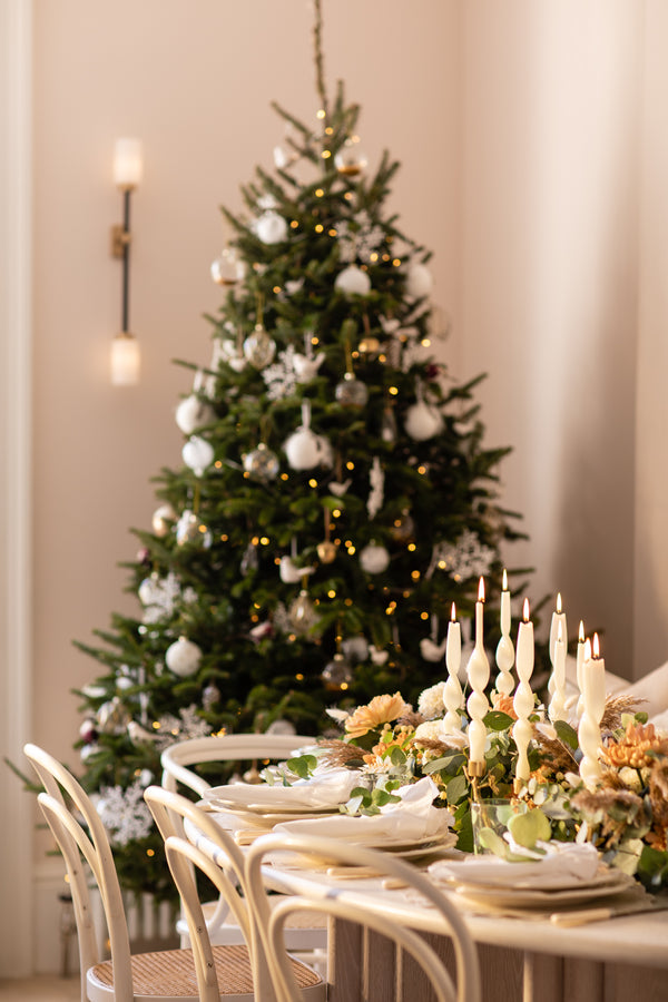 Christmas Table Setting with Laura Butler-Madden