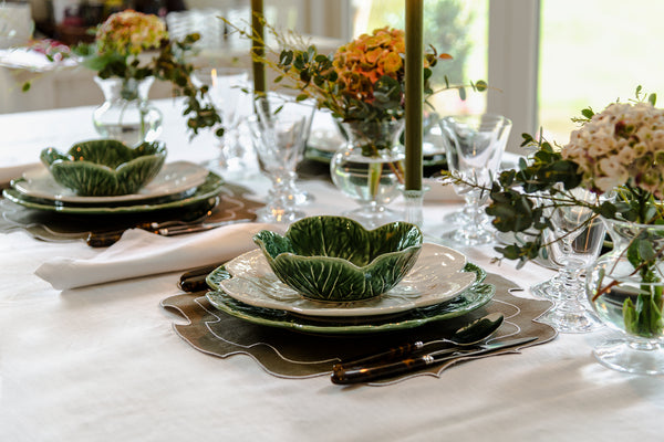how to create an autumn fall tablescape table setting