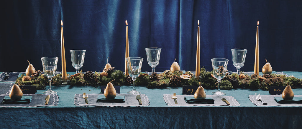 Teal green navy blue gold tablescape setting festive glamour pretty glamorous stylish metallic gorgeous