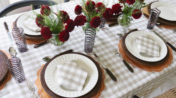 how to create a fall autumn tablescape table setting