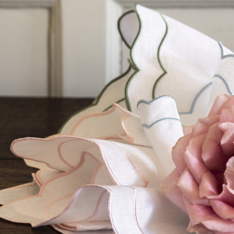 Set of 4 Lucy Scalloped Italian Linen Napkins