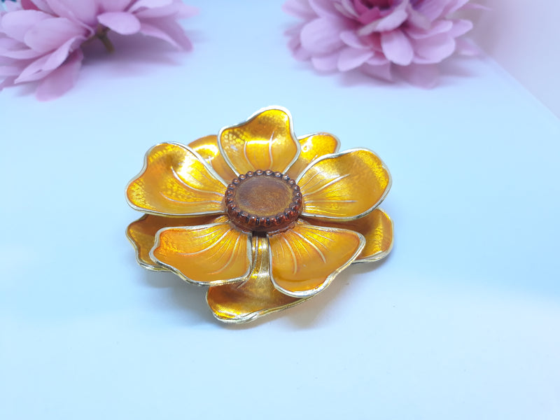 1960s Flower Power Coreopsis Flower Brooch - Peace, Anti War Pin