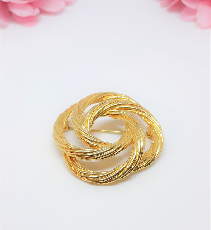 Monet Signed Gold Tone 1960's Circular Rope Brooch