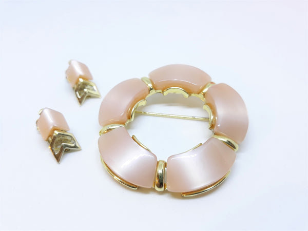 Stunning 1950s-60s Peach Thermoset Brooch with Matching Earrings