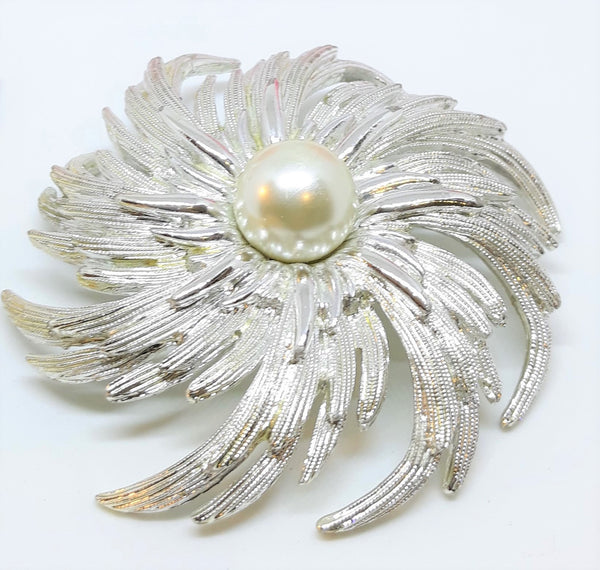Sarah Coventry, Large Silver Tone Floral Brooch with Faux Pearl - 1960s
