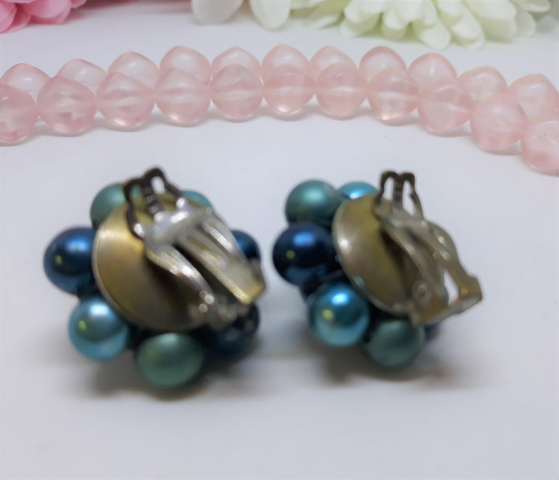 Gorgeous Shades of blue, Vintage clip-on Cluster Earrings