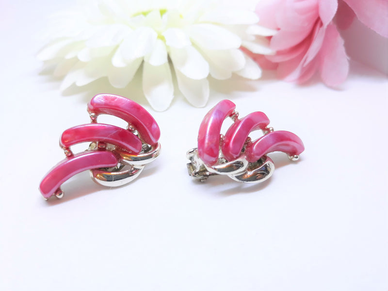 Stunning HOT Pink Thermoset Earrings - Vintage Clip-On Earrings
