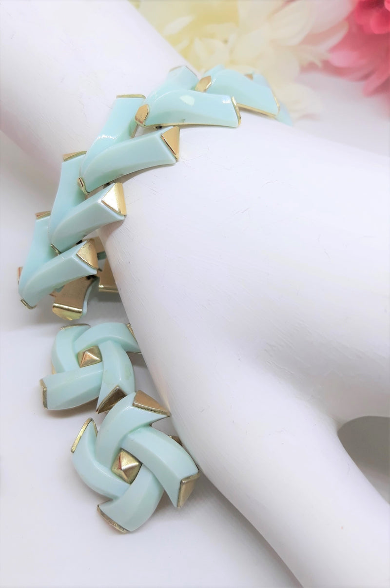 TRIFARI 1960s Valencia Matching Set - ROBIN EGG Blue, Aqua,  Bracelet and Earrings - MINT