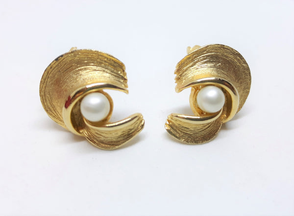 Eye Catching Vintage Gold Tone and Pearl Earrings - 1960s Clip-ons