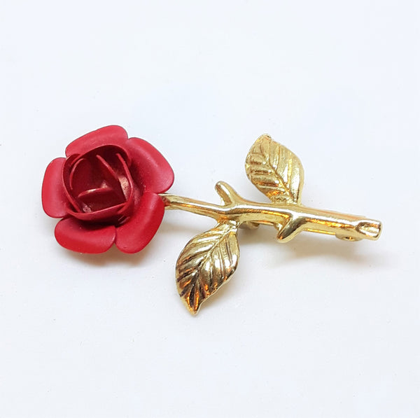 Gorgeous, yet TINY Red Rose and Gold Tone Brooch - Stunning