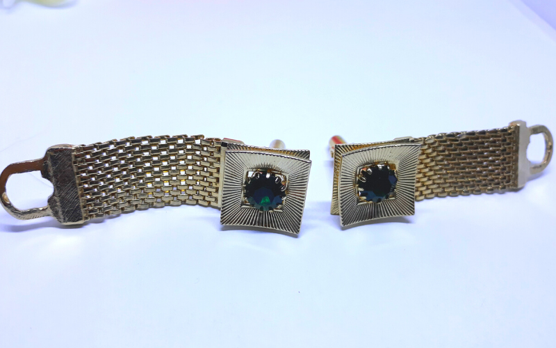 Gorgeous, Gold Tone Buckle Cuff Links with Emerald Stone