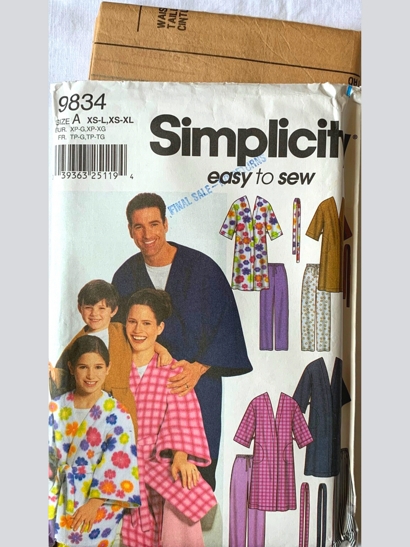 Simplicity 9834 -  Easy To Sew Uncut Sewing Pattern - Sleepwear for the Entire Family