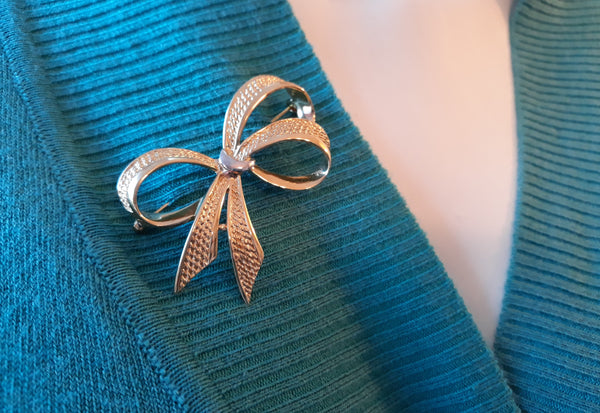 Vintage Gold Bow Brooch - Pin, Dazzling, Unforgettable