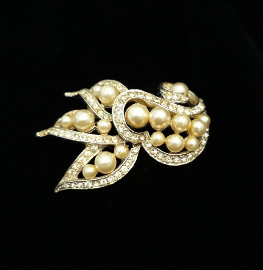 1950s Rhinestone, Pearl and Silver Statement Brooch - Gorgeous Leaf, Swirl Pattern