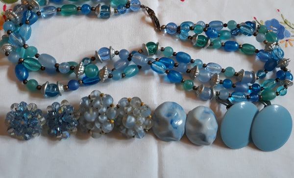 Jewelry Lot - 1950s-70s - Turquoise/Blue/Teal necklace with 4 clip-on earrings - Mix 'n Match