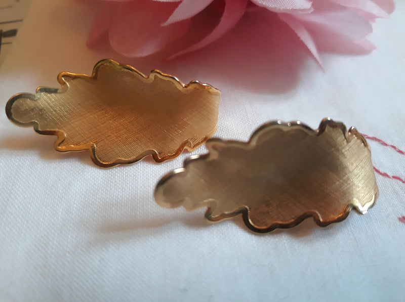 Signed CORO Leaf Clip-on Earrings - in MINT condition - deadstock, Gorgeous, 1950s Vintage earrings