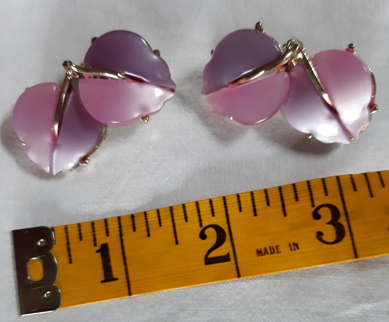 Purple - Light Pink Thermoset Leaf Earrings - Rare Color - Unsigned Coro - Gorgeous - 1950s-60s