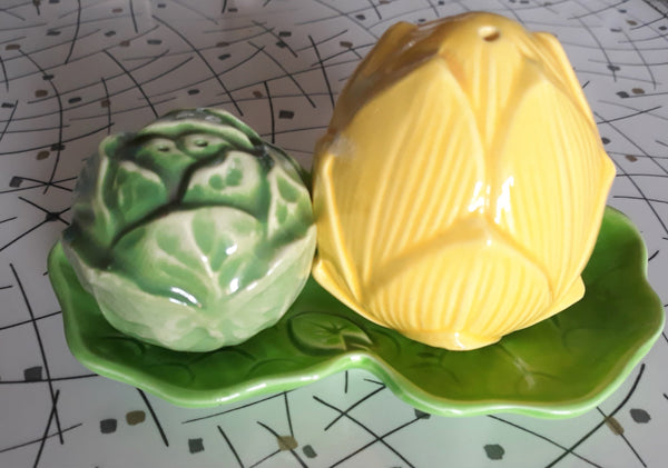 Vintage Salt and Pepper Shakers, 1950s Made in Japan - Corn and Cabbage with tray