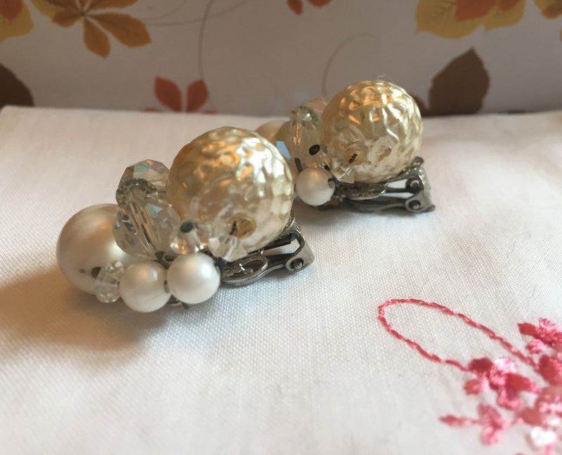 Stunning, 1950's BRIDAL earrings - Vintage, Pearl with Aurora Borealis Stone - Bride, Bridesmaid