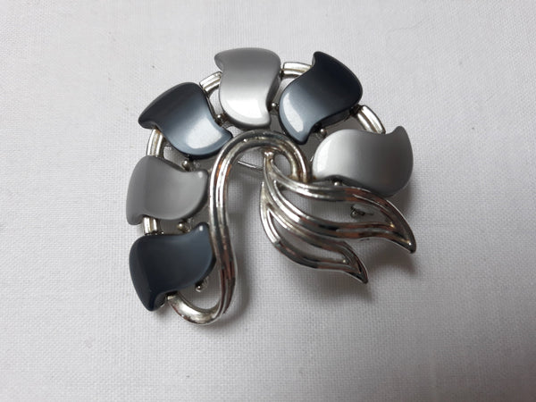 Vintage STAR 1940s Thermoset Brooch, Grey and Black with Silver