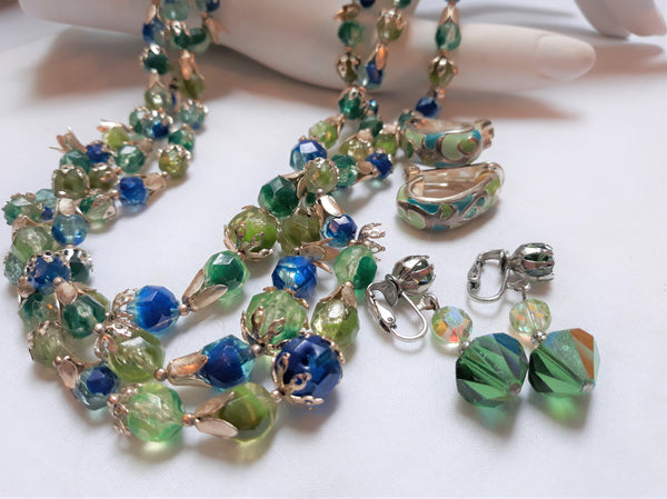 1960s or 1970's, Made in Hong Kong necklace and clip on earrings - Turquoise, Elegant, Mix and Match