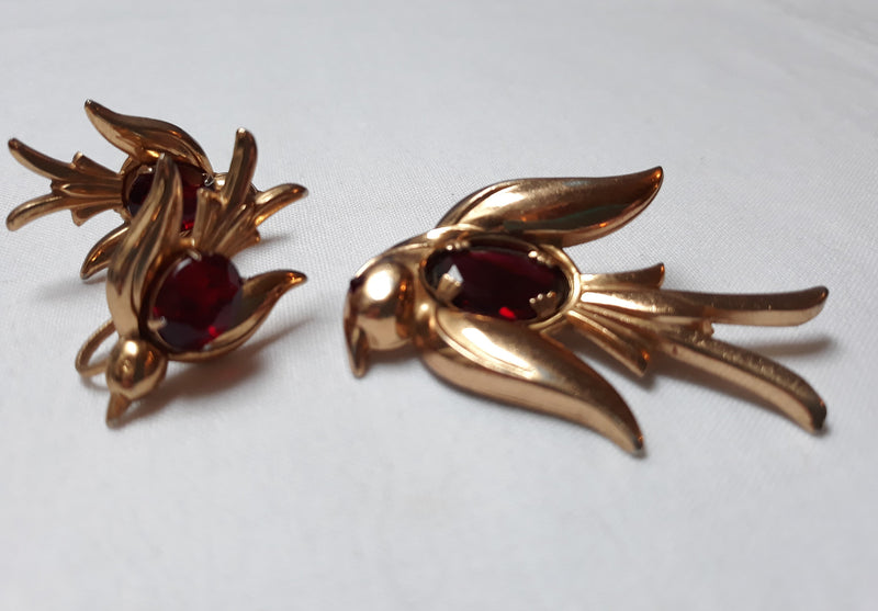 Coro Craft 1940s Soaring Birds Jelly Belly Brooch and Clip-on Earrings, Rare, Early Coro
