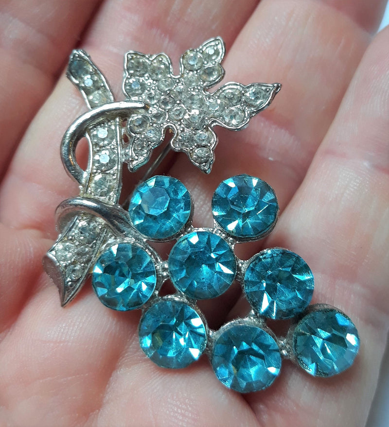 Stunning Large, Vintage Aquamarine, Teal, Turquoise, Rhinestone, Grape Cluster Brooch, 1950/60s