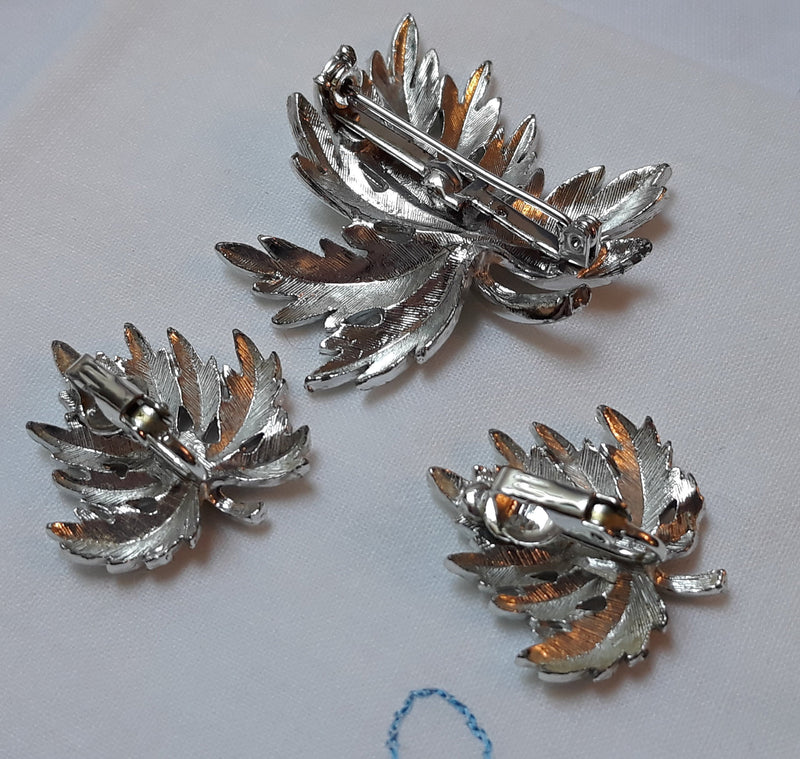 Vintage Unsigned Leaf and Earrings Set Unsigned Trafari, Coro or Sarah Coventry