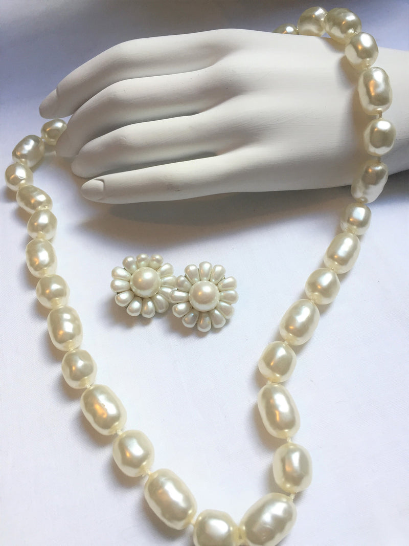 Vintage Oval, Faux Pearl Necklace with 1950s Clip-on Earrings, Vintage, Wedding-Wear, Elegant