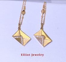 Load image into Gallery viewer, Diamond Necklace in 18K Gold - Elliot Jewelry