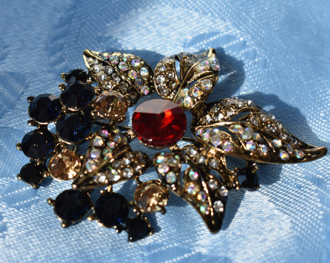 "Brooch - ""Antique Gold"" Leaves & Berries Brooch"