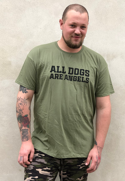 Army grøn T-shirt.