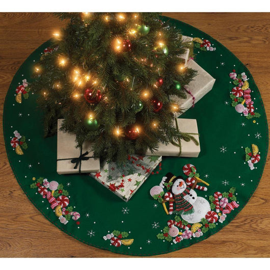 Bucilla Felt Tree Skirt Applique Kit 43