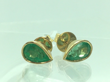 Load image into Gallery viewer, 2.50 Carat Pear Cut Colombian Emerald Stud Earrings 18 Karat